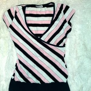 3 for $18🥳 pink black and white striped blouse